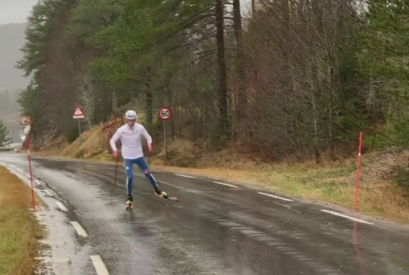 Ski-roue sous la pluie